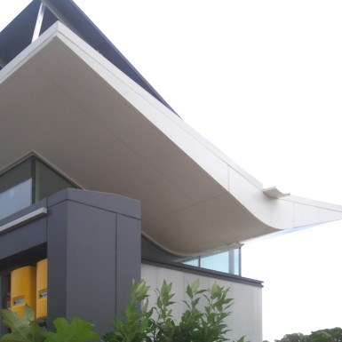 moss_solar house_exterior_color_2000x1333px